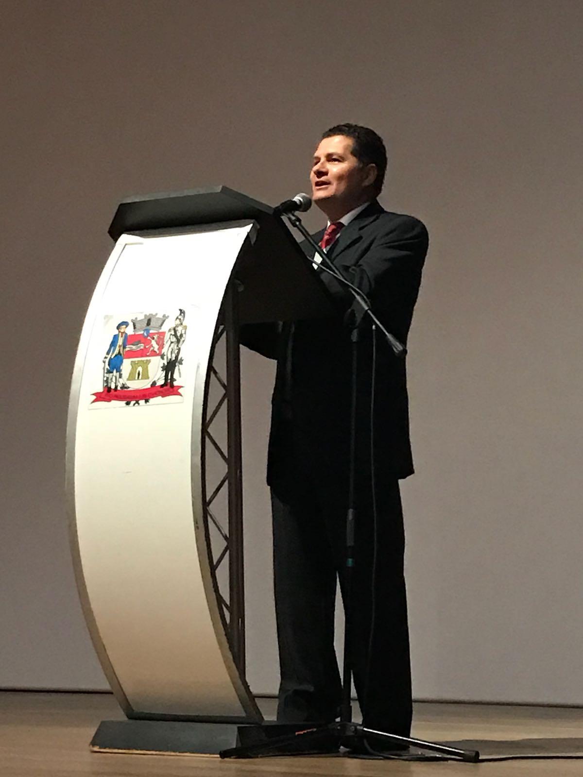 prefeito de Jacareí Izaías José de Santana