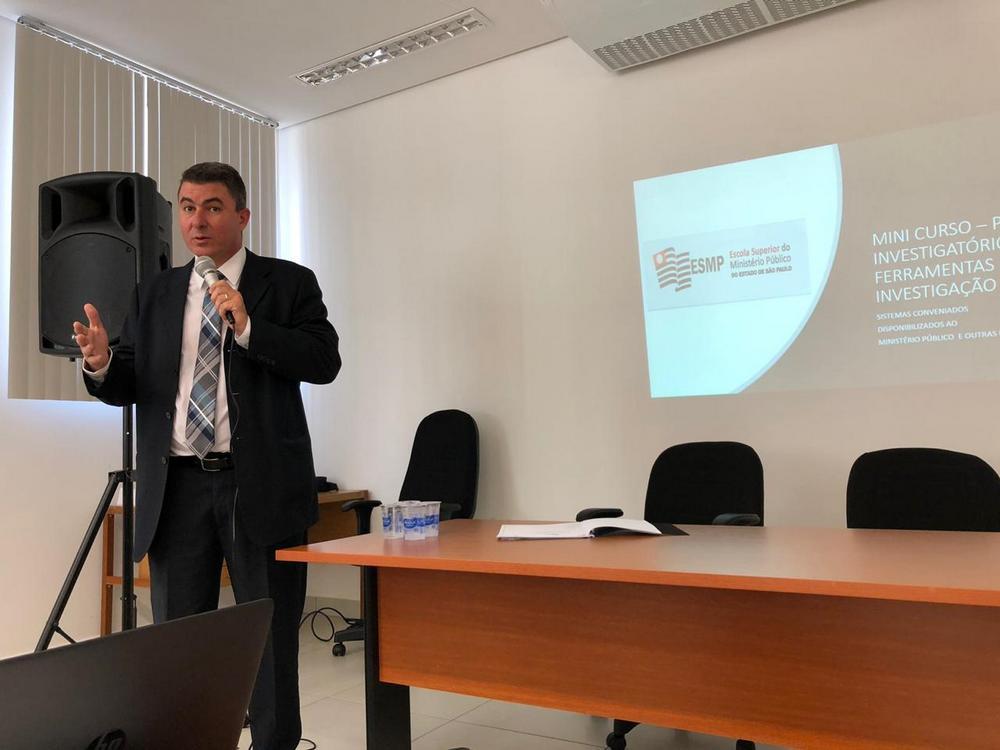 Dr. Richard Encinas